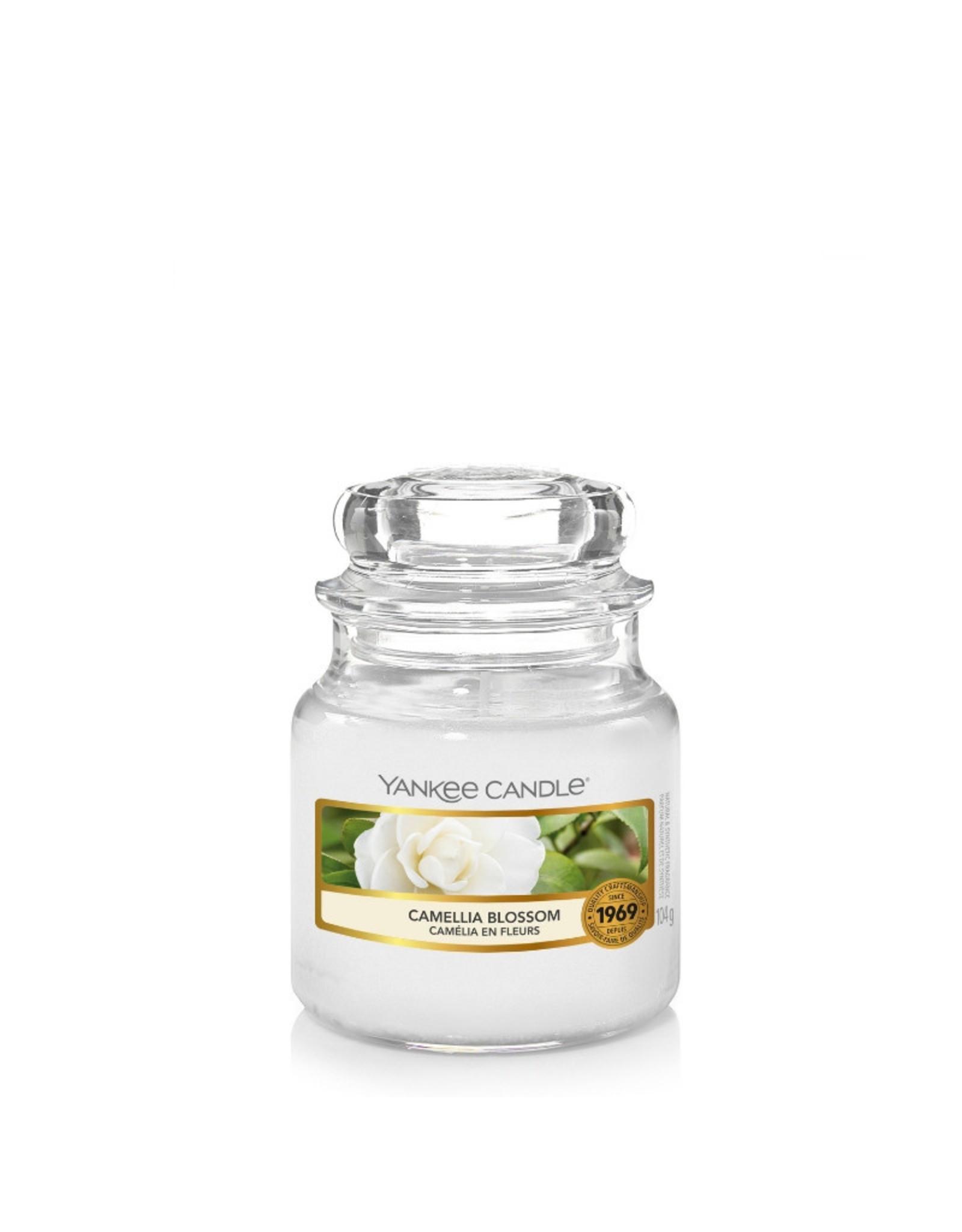 Yankee Candle Camelia Blossom - Small Jar