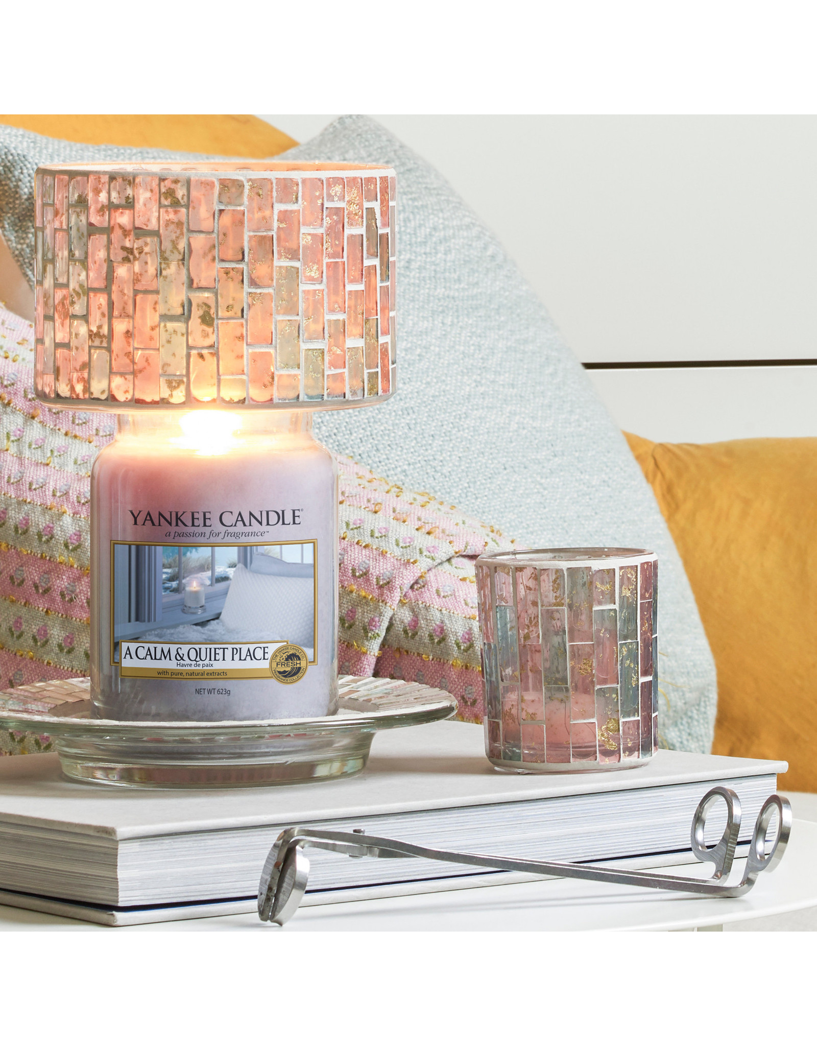 Yankee Candle Pastel Romance - Large Shade & Tray