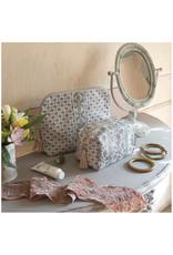 Mathilde M Paradis Fleuri - Toilettas