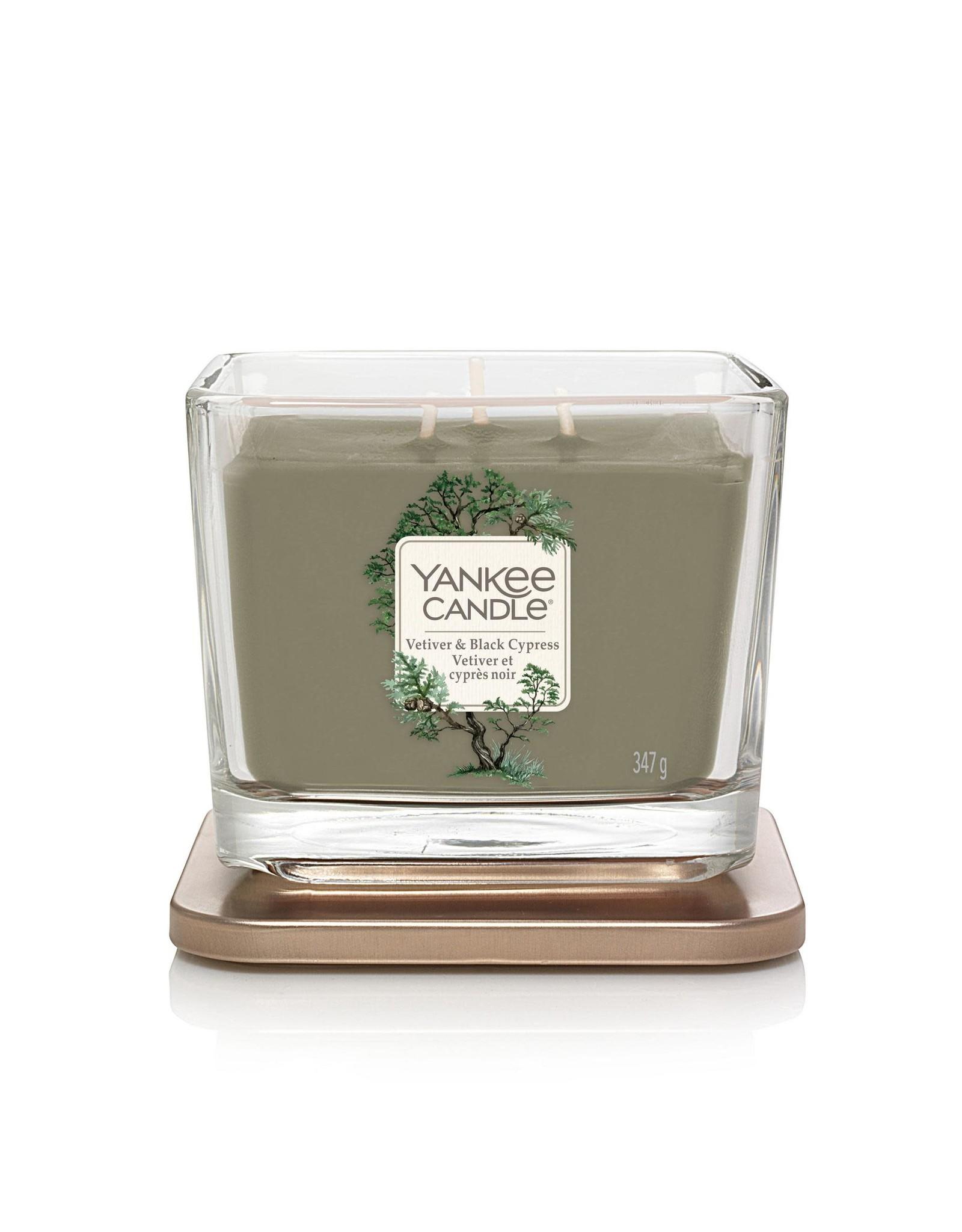 Yankee Candle Vetiver & Black Cypress - Medium Vessel
