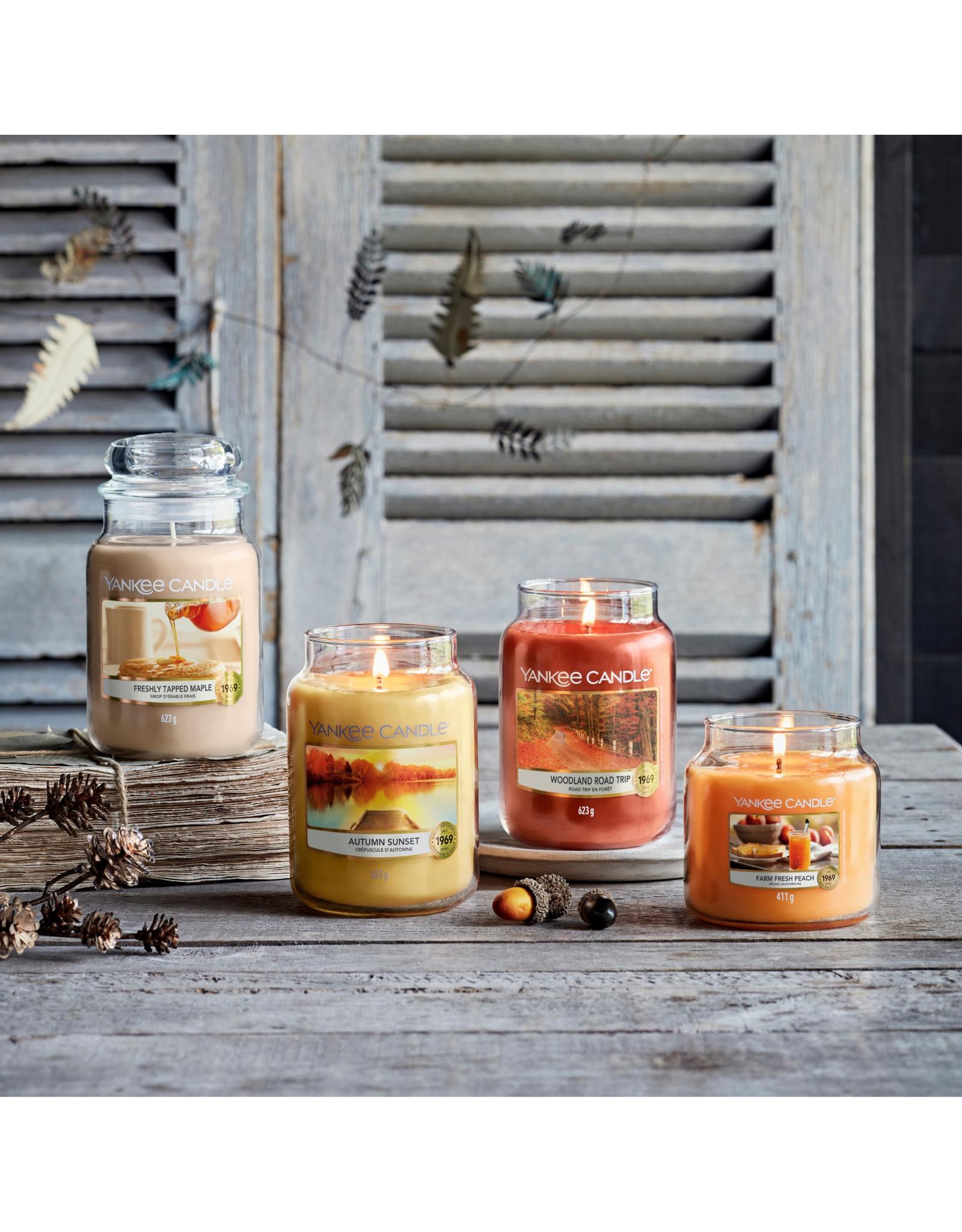 Yankee Candle Autumn Sunset - Medium Jar