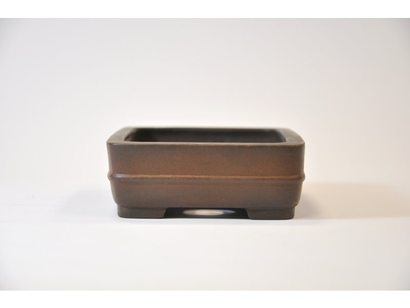 Square unglazed Shibakatsu pot 134 x 102 x 37 mm