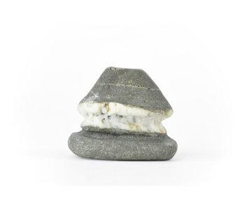 Suiseki de 55 mm de Japón en estilo cabaña de piedra