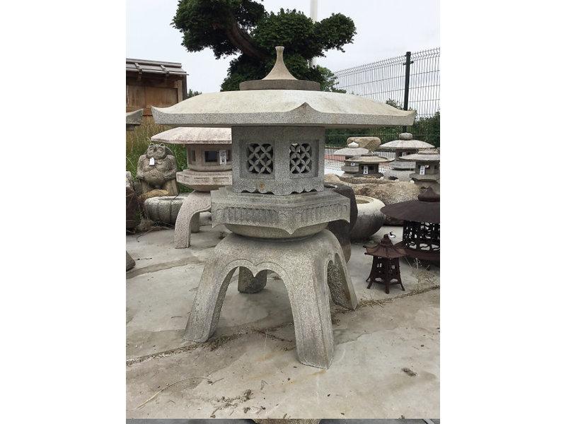 Japanse stenen lantaarn Kaku Yukimi Gata 118 cm