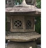 Japanse stenen lantaarn Kaku Yukimi Gata 94 cm