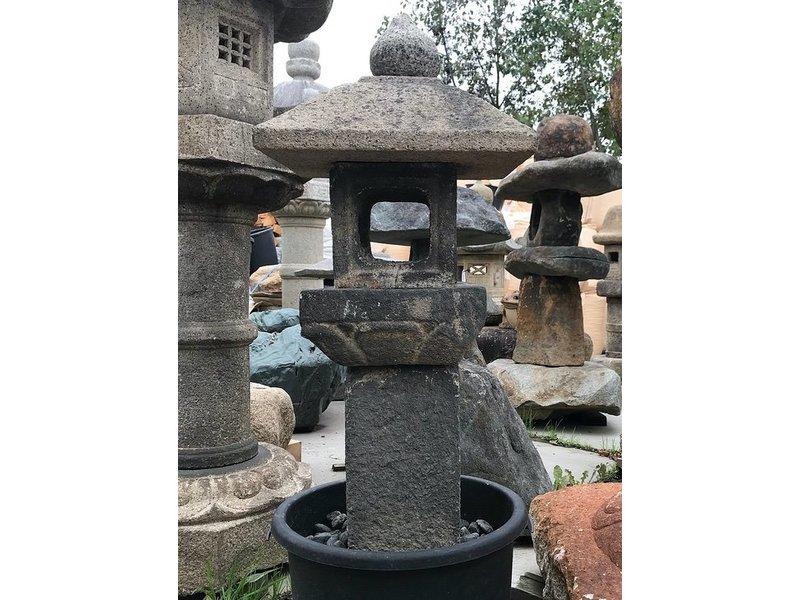 Japanse stenen lantaarn Oribe Gata 114 cm