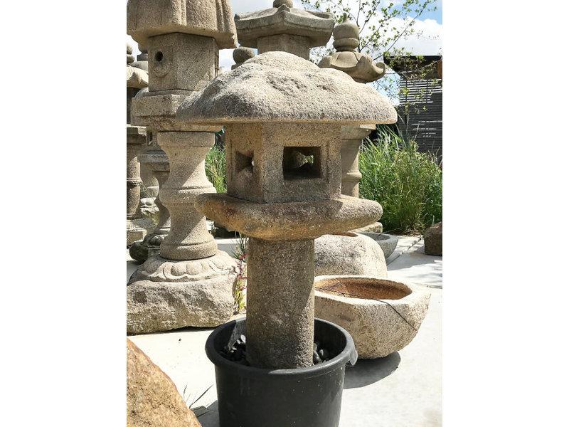 Japanse stenen lantaarn Mizubotaru Gata 110 cm