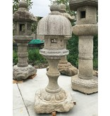 Japanse stenen lantaarn Nuresagi Gata 170 cm