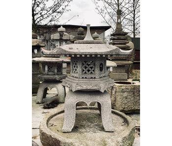 Lanterna giapponese in pietra Kaku Yukimi Gata 106 cm