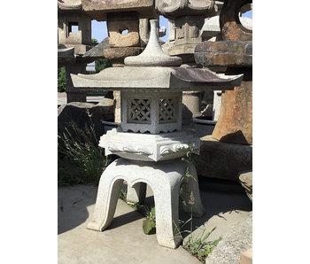 Japanische Steinlaterne Kaku Yukimi Gata 90 cm