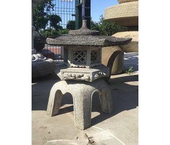 Japanische Steinlaterne Kaku Yukimi Gata 68 cm