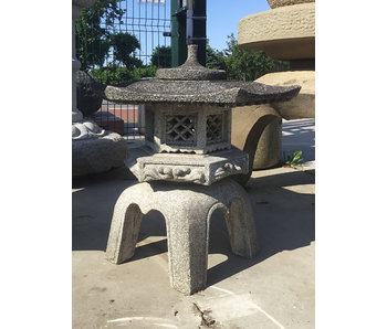 Lanterna giapponese in pietra Kaku Yukimi Gata 68 cm