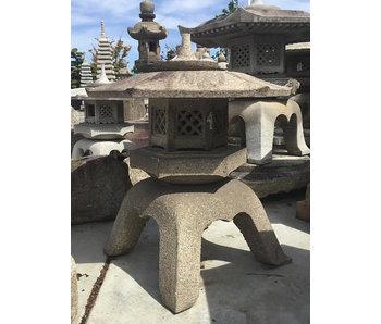 Japanische Steinlaterne Kaku Yukimi Gata Ishidōrō 105 cm