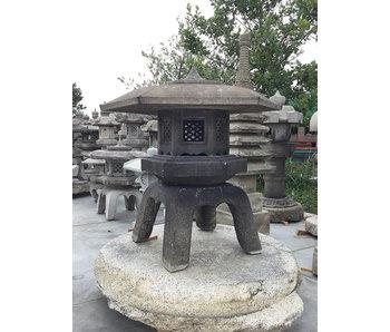 Japanse Stenen Lantaarn Kaku Yukimi Gata Ishidōrō 122 cm