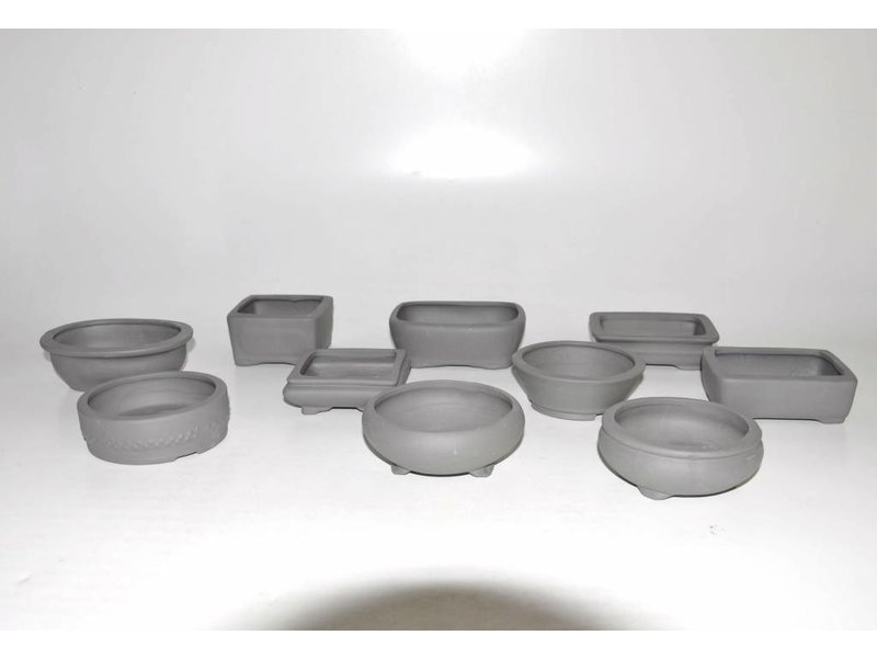 Set of ten pots