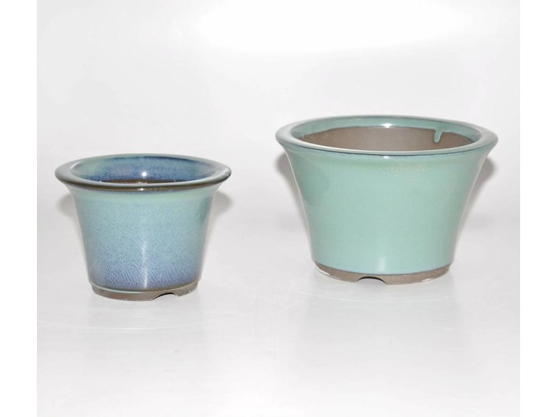 Set of two green pots
