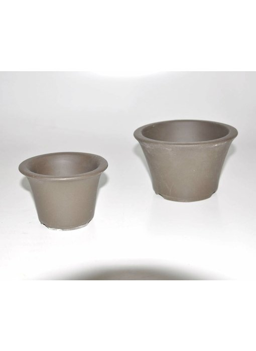 Set of two brown pots
