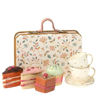 Maileg Cake with Tea Set in Suitcase