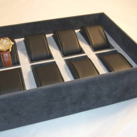 Stacking tray with cushions for 8 watches