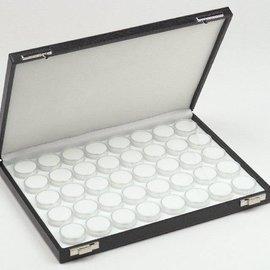 Etui mit 40 runden Kunststoffdosen