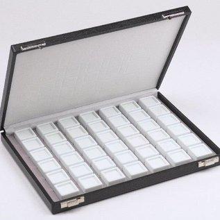 Etui mit 42 Glasdeckeldosen für Edelsteine