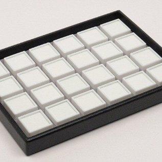 Stapellade mit 24 Glasdeckeldosen