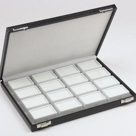 Etui mit 16 Glasdeckeldosen