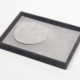 Stacking tray for one necklace