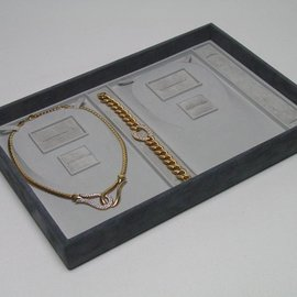 Stacking tray for 2 sets
