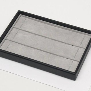 Stacking tray with 3 pads