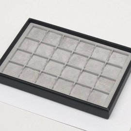 Stacking tray with 24 pads