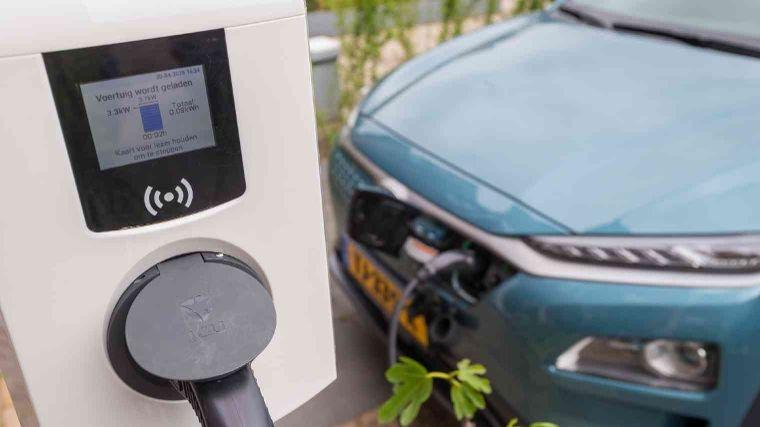 Laden elektrische auto met 3x16A (11kw) versus 1x16A (3,6kw)