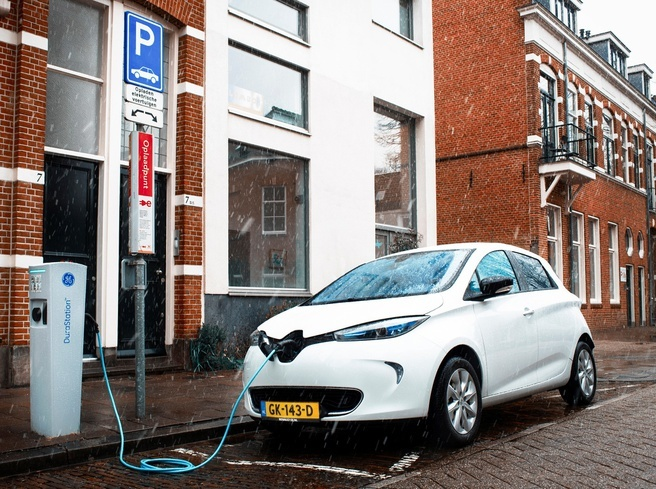 Opladen van de elektrische auto: de mogelijkheden