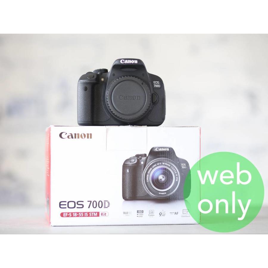 Canon EOS 700D-1
