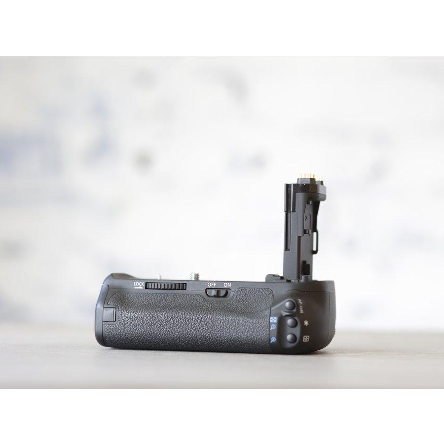 Canon BG-E14 Battery Grip-2