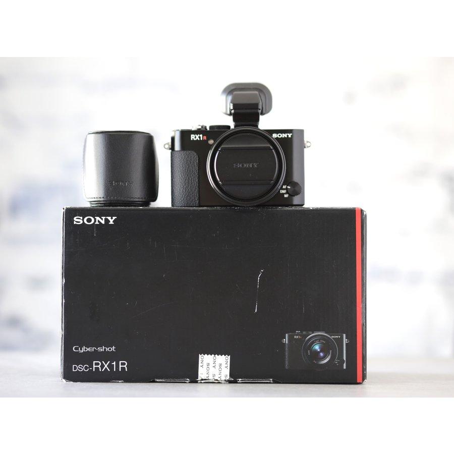 Sony RX1R-1