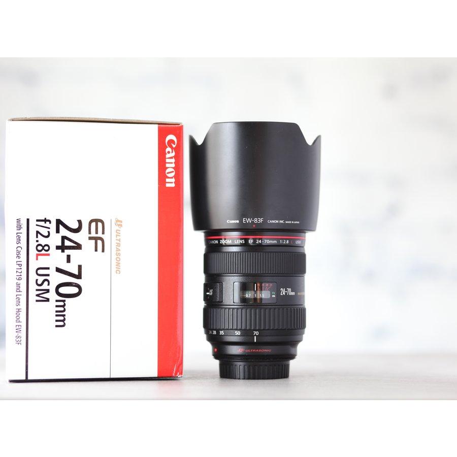 Canon EF 24-70mm f/2.8L USM-1