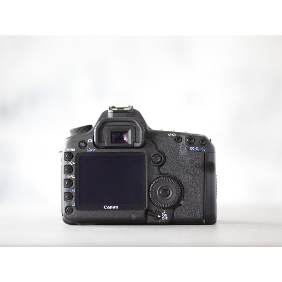 Canon EOS 5D Mark II-2
