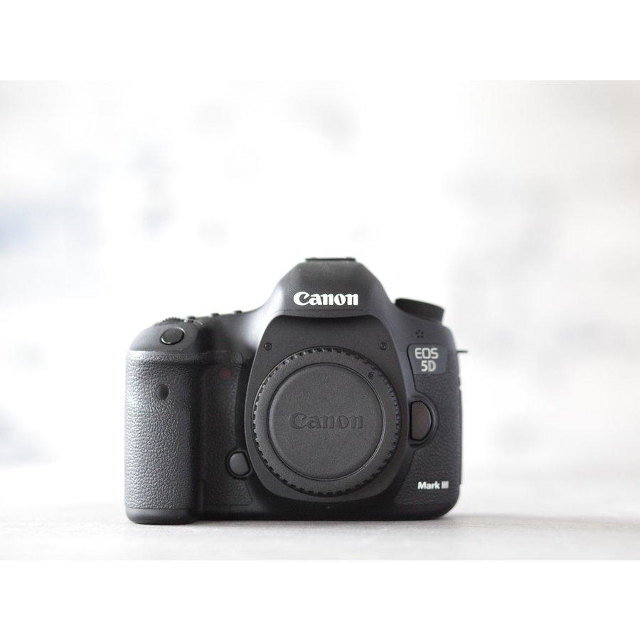 Canon EOS 5D Mark III-2