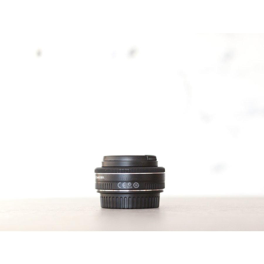 Canon EF 40mm f/2.8 STM + Canon ES-52-2