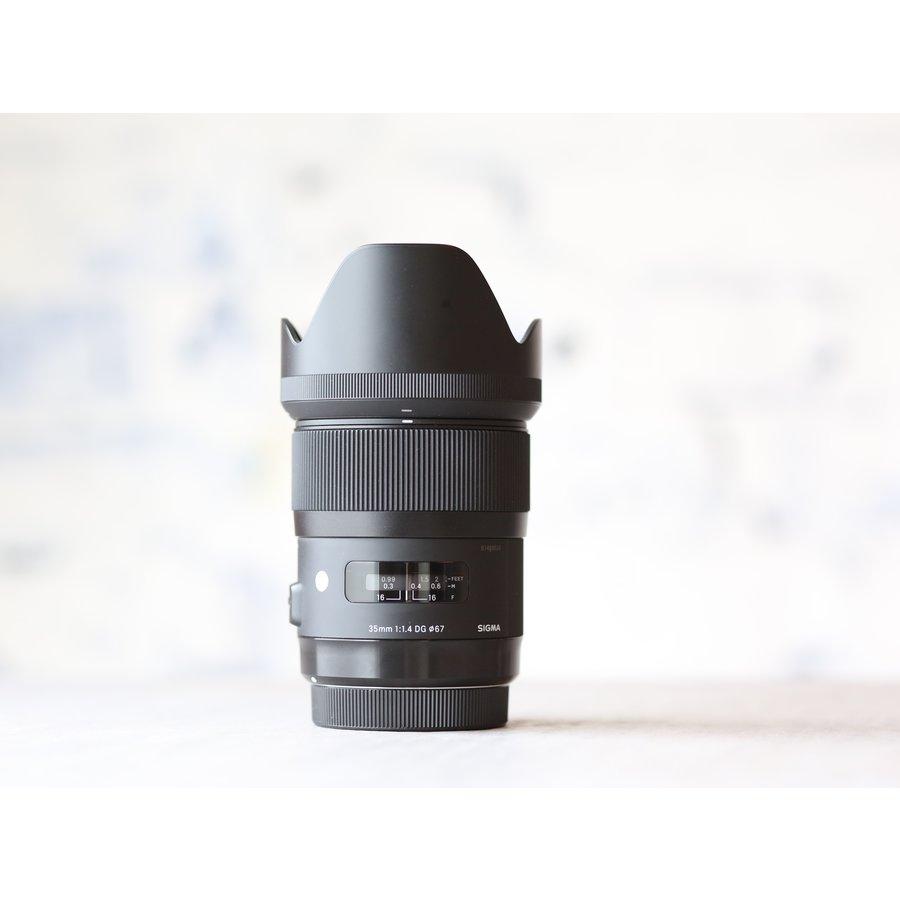 Sigma 35mm f/1.4 DG HSM Art (Canon)-1