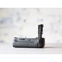thumb-Canon BG-E13 Battery Grip + Accu-2