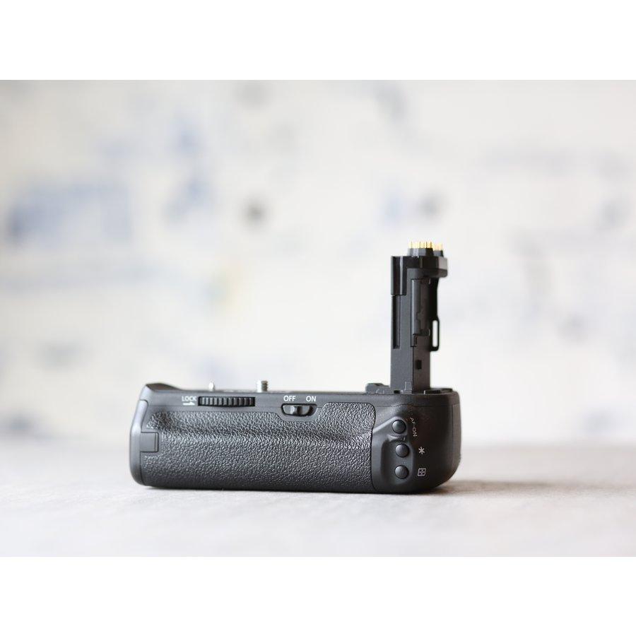 Canon BG-E13 Battery Grip + Accu-2