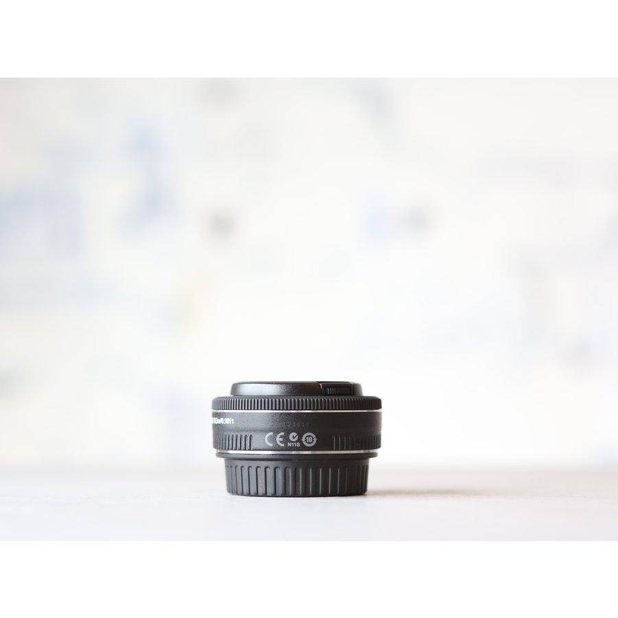 Canon EF 40mm f/2.8 STM-2