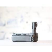 thumb-Canon BG-E7 Battery Grip-2