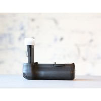 thumb-Canon BG-E13 Battery Grip-2
