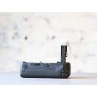 thumb-Canon BG-E13 Battery Grip-3