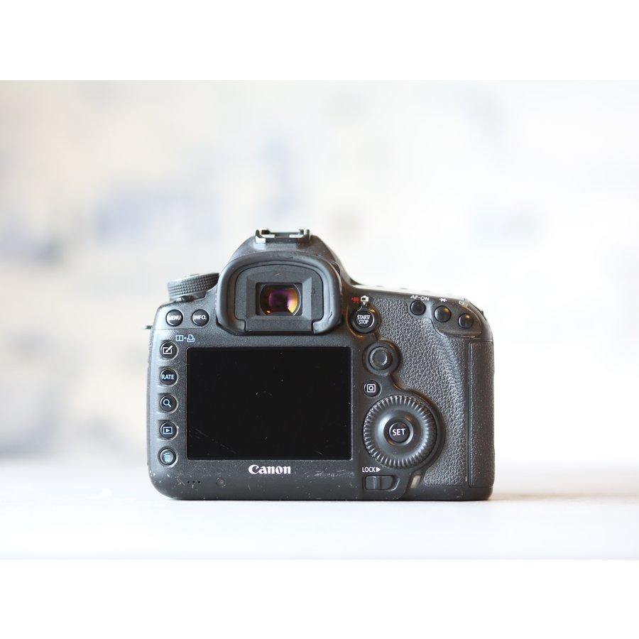 Canon EOS 5D Mark III-3