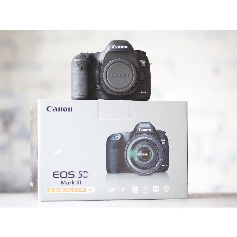 Canon EOS 5D Mark III-1