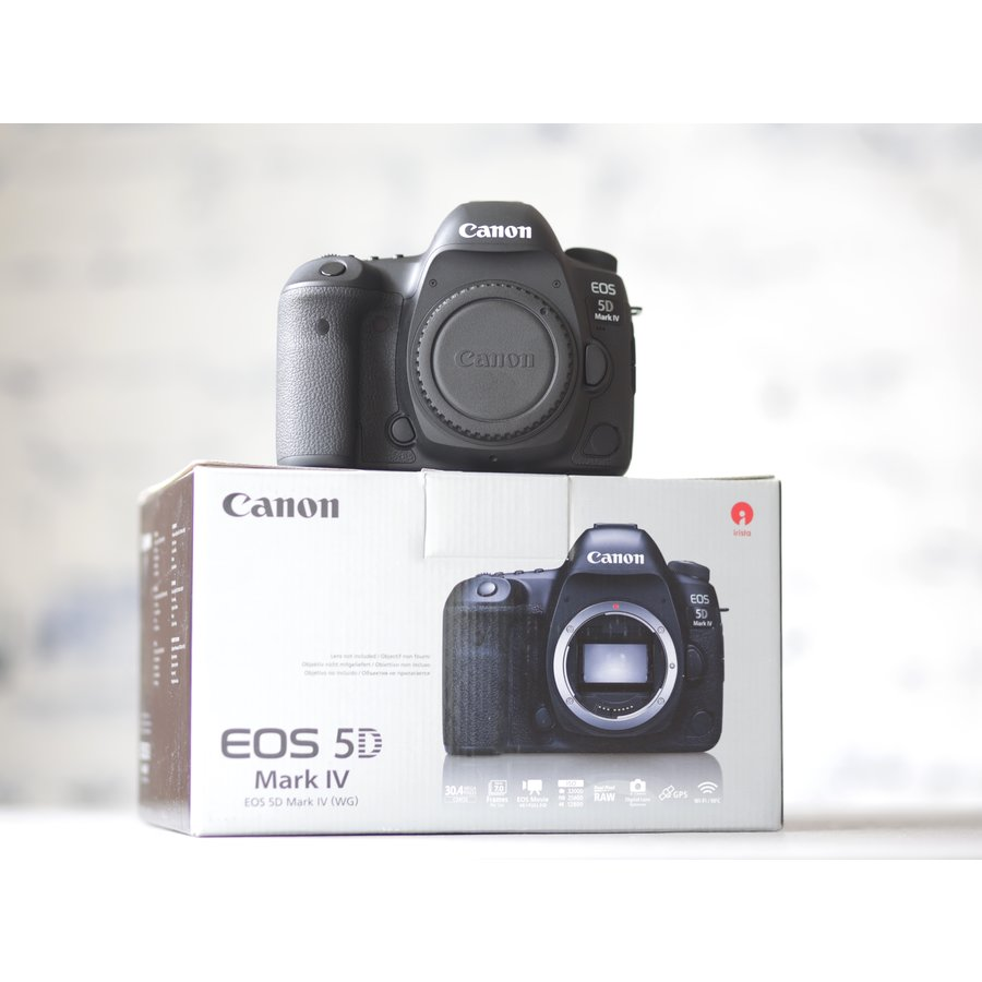 Canon EOS 5D Mark IV-1